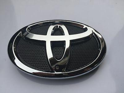 New 2007-2009 Toyota Camry Hood Grill Black & Chrome Grille Emblem 75311-06060