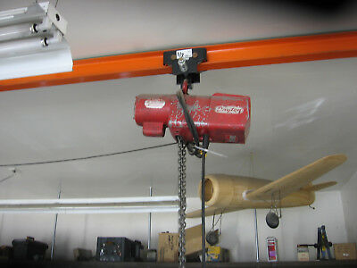 1/2 TON DAYTON 110V ELECTRIC HOIST WITH PENDANT - great condition