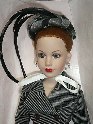 "18"" Tonner Kitty Collier Park Avenue Beautiful Fashion Doll MWB"