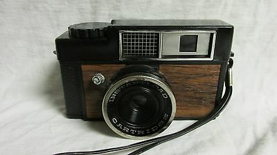 VINTAGE LATE 1960s EARLY 1970s INSTANTLOAD CARTRIDGE CAMERA