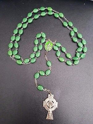 Vintage ST PATRICK Clover Etched  Oval green Glass   ERIN CELTIC ROSARY  ITALY