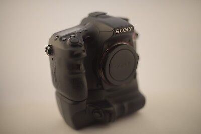 Sony Alpha SLT A77 Digital SLR Camera (Body + Accessories)