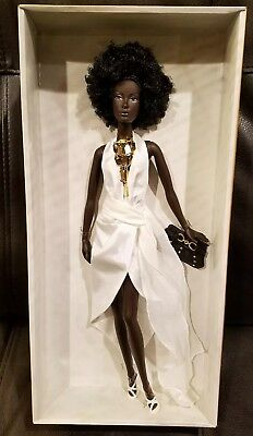 NICHELLE URBAN HIPSTER~Model of the Moment Collection ~ 2004 MATTEL  Barbie Doll