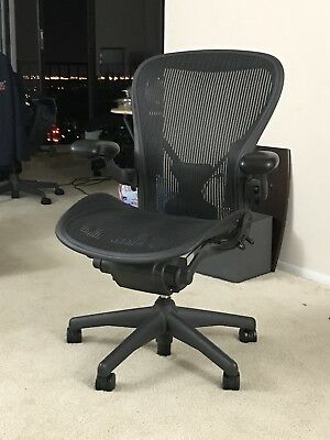 Herman Miller Aeron Chair Size C Fully Adjustable In Excellent Condition.