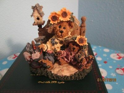 Boyds Bear Collection: Sunny and Sally Berriweather - Plant With Hope 1993