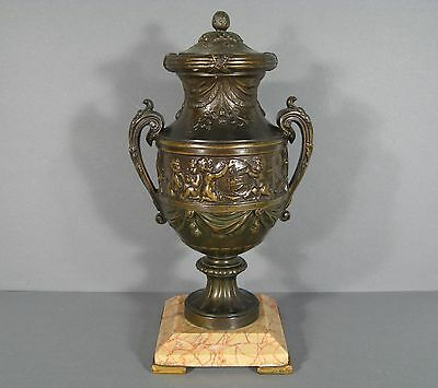 Vase Covered in Controls Style Louis XVI / Pot Covered Louis XVI Love Science