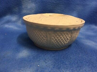 "Rrp Co 6"" Covered Bowl Robinson Ransbottom Roseville Yellow Ware Diamond Design"