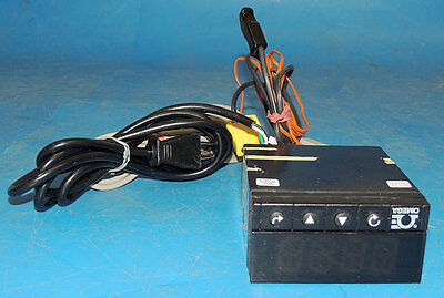 Omega DPi8 Programmable Temperature/Process Meter with Thermocouple Lead Probe