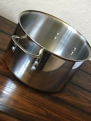 Calphalon Tri-Ply SS 8qt Stock Pot, Used *Without Lid*