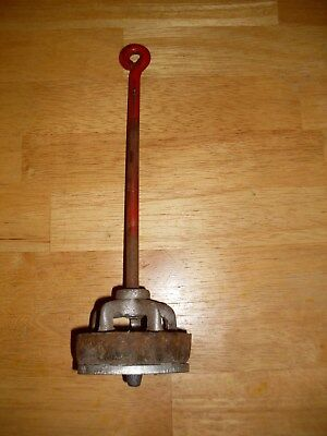 Vintage cast iron water pump part.  Fits Columbiana Ohio 2085 pump.
