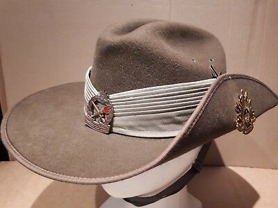 2010 Australian Army Cadets Military Mountcastle Size 57 Slouch Hat With Badges