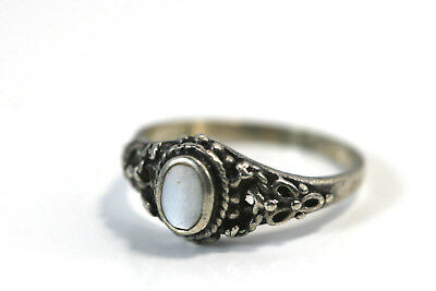 "D413 Mother of Pearl Delicate Sculpted Sterling 925 5mm 3/8"" Ring Size 5 1/4"