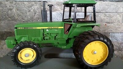 Ertl John Deere 4850 New Orleans Collector Series 1:16 scale