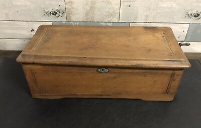 "ANTIQUE CYLINDER MUSIC BOX WOODEN BOX HAND CRANK AS-IS 17 3/4"" Long"