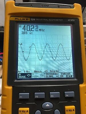 Fluke 124 ScopeMeter 40MHz HandHeld Oscilloscope *Tested*