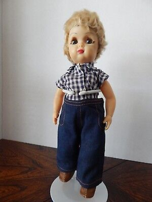 VINTAGE TERRI LEE 1950s TINY JERRI LEE WALKER WITH BLONDE HAIR TAGGED OUTFIT