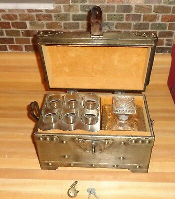 Camelot Pewtertone Tankardware Cut Glass Decanter Bar Set In Treasure Chest