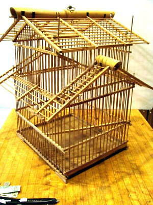 VINTAGE WOOD BAMBOO PAGODA STYLE BIRD CAGE / Decoration Oriental