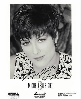 4035 MICHELLE WRIGHT USA 1992 Countrymusic 20x25cm orig.sign.Autogrammfoto 8x10""