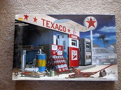 Vintage 1960's Texaco Service Station Mrc- Model Kit-Factory Sealed-Gas & Oil