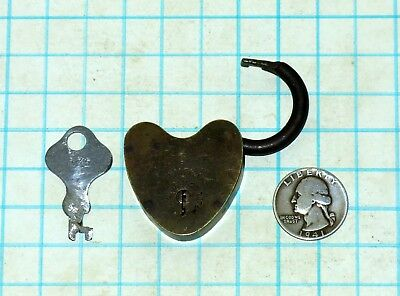 Vtg Antique Old Small Brass Case Body MWco Heart Shaped Padlock Lock & Flat Key