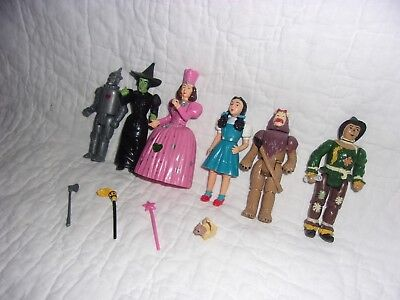 Lot  of 6 Vintage WIZARD OF OZ Action Figures MGM/TURNER w/ accessories
