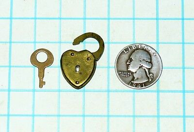 Vtg Antique Old Gold Brass Small Heart Shaped Padlock Lock & Skeleton Key Diary