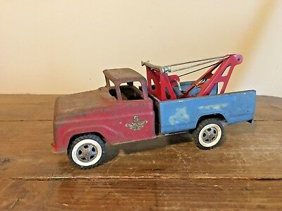 Vintage Tonka Wrecker Truck, Pressed Steel Toy Vehicle  PROJECT TRUCK