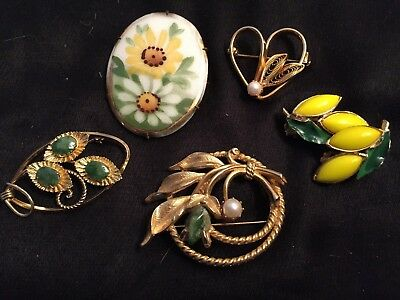 Lot of Vintage Costume Jewelry Floral Pins (incl jade, porcelain)