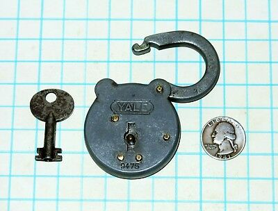 Vtg Antique Yale & Towne Lock Co. 6 Six Lever 9475 Padlock and Hollow Barrel Key