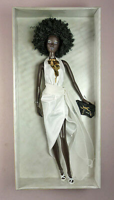 Nichelle Model Of The Moment A/a Doll - Nrfb - Mattel - Barbie - 2004
