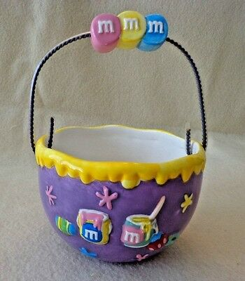 """M&M CANDY DISH """"EASTER BASKET"""" PURPLE BY GALERIE,CERAMIC, 2001, 6"""" TALL w/HANDLE"""
