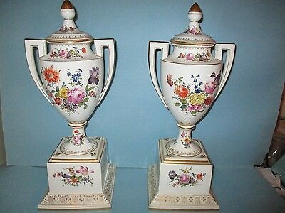 Large Fine Pair of Royal Vienna Porcelain Urns Covered Vases Antique Austrian