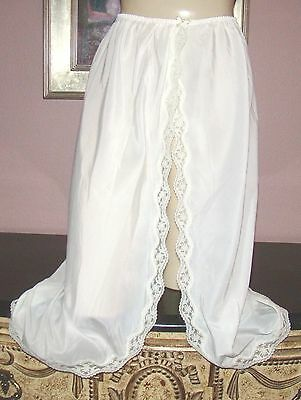 "VTG LADY LYNN SILKY BUTTER SOFT NYLON BLEND LACY HALF SLIP M  WST 24"" to 36"""