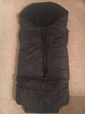 Maclaren Extendable black Footmuff, barely used, excellent condition
