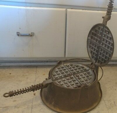 Antique Griswold American Cast Iron No. 8 Waffle Irons & High Base Ring