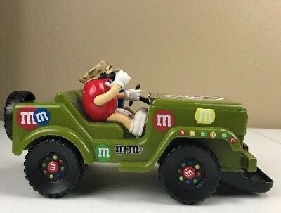 RARE M&M's MILITARY VEHICLE CANDY DISPENSER SOUNDS & LIGHTS 2009 A26