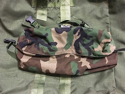 US Army Military Woodland BDU  Fanny Pack with MOLLE attachment - black clips