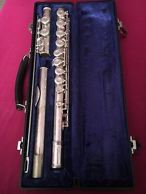 Gemeinhardt 2SP Silver Plated Closed Hole Student Flute w/ Hard Case & Cleaner
