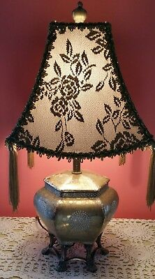 Small Vintage Antique LaMp Porcelain Chinese Japanese Asian Oriental  Table Lamp
