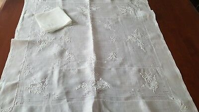 Vintage White on White Linen Embroidered Tablecloth 4 Napkins  #3