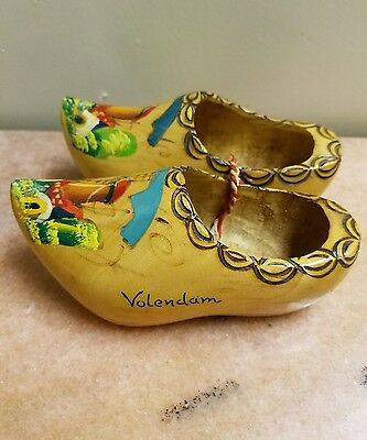 "Antique Pair of Hand-Carved Wood Shoes Hand-Painted Volendam 5"" Long 2 1/4"" Wide"