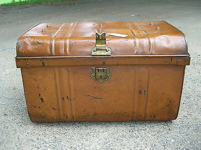 ANTIQUE  LATE 1800's  TIN  METAL  IMMIGRANT  TRAVEL  TRUNK  -  RARE  FIND