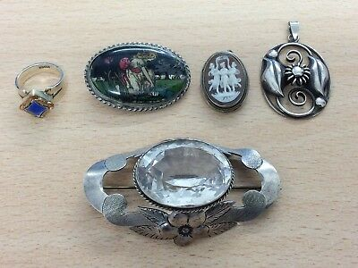 JOB LOT OF SILVER BROOCHES PENDANT & RING 41g