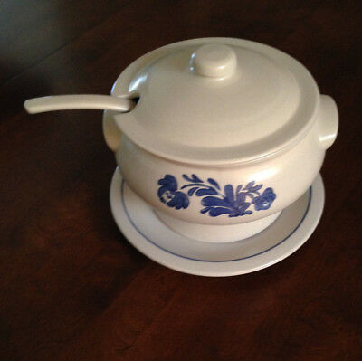 PFALTZGRAFF Yorktowne Covered Soup Tureen, Lid, Ladle and plate
