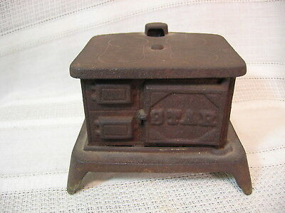 Small, Antique, Cast Iron Childs Toy Cook Stove