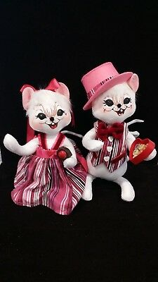 Vintage Annalee 2007 Valentines Day Candy Stripe Chocolate Mouse 10 Inch Couple