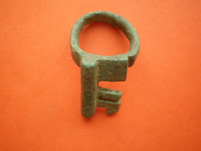 Rare medieval bronze ring key with a nice green patina