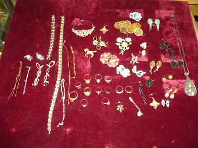 Antique Vintage Assorted Jewelry Rings , Necklaces ,earrings Lot > Estate Find !