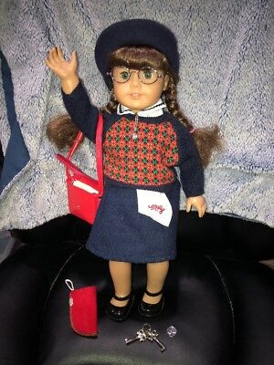 American Girl Doll Molly W/Meet Outfit Accessories Glasses Case Keys Purse Penny